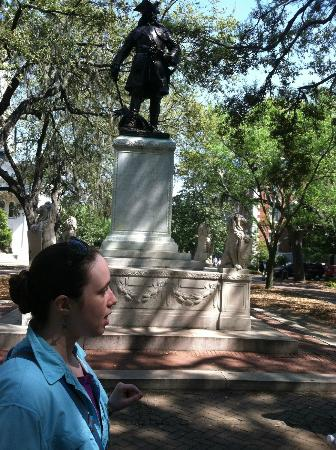 Bonnie Blue Walking Tours of Savannah: Bonnie on giving her tour to our family.