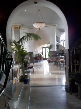 The Culver Hotel: Lobby