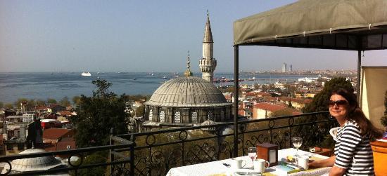 Ada Hotel Istanbul: Frühstück mit Aussicht