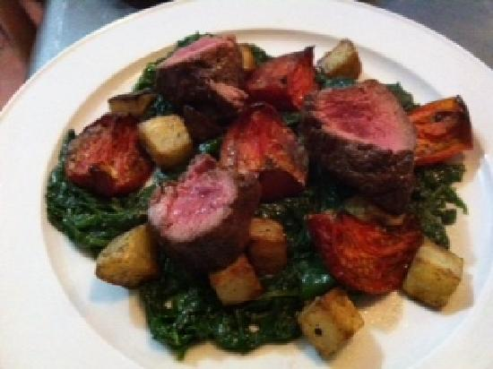 Essence Brasserie: Fillet steak with slow roasted tomatoes, confit potatoes and spinach