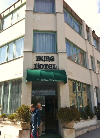 Entrance to Burg Hotel