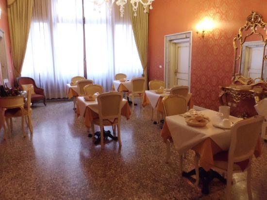 Locanda Barbarigo: sala colazione