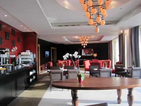 Movenpick Ambassador Hotel Accra: Executive Club Lounge