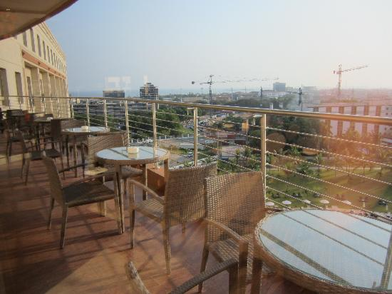 Movenpick Ambassador Hotel Accra: Executive Club Lounge Patio