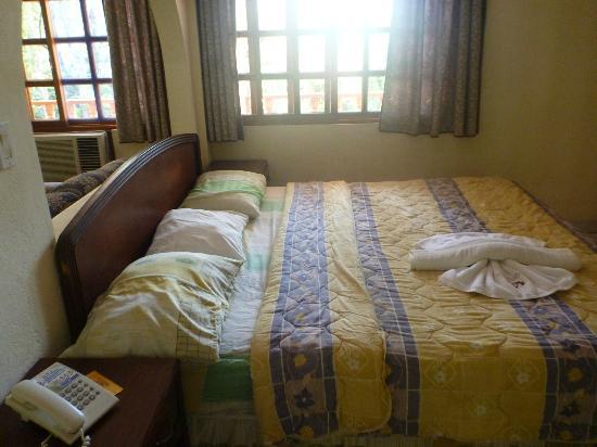 Hotel Las Tres Banderas : Habitacion