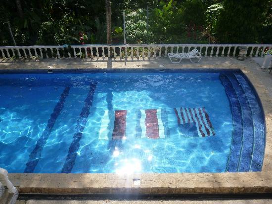 Hotel Las Tres Banderas : Piscina