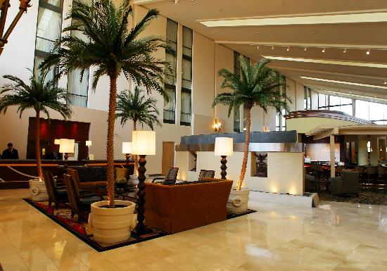 DoubleTree by Hilton Hotel Dallas - Richardson: Lobby