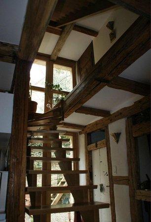 La Maison des 5 Temps - B&B de charme : L'escalier supérieur