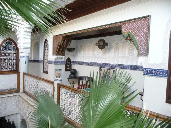 Riad Dar Al Kounouz: patio au 1er etage