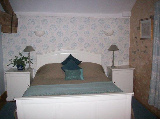 Les Deux Pignons : Super-comfy kingsize beds