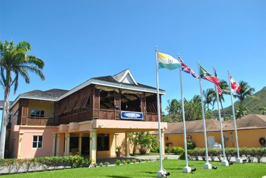 Bombay Blues Restaurant: Bombay Blues - serene view of Frigate Bay Golf Course