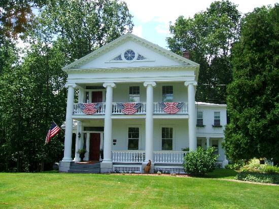 River Edge Mansion Bed and Breakfast: River Edge - 4th of July!
