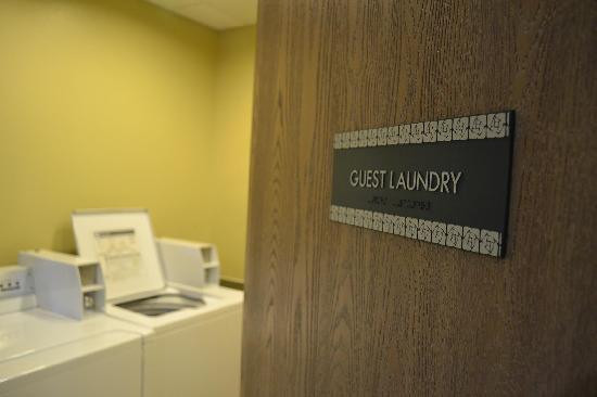 Best Western Plus Tulsa Inn & Suites: Guest Laundry