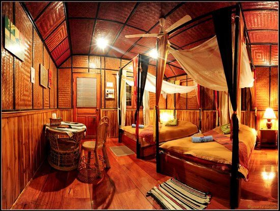 Thongbay Guesthouse: Bungalow-Bedroom