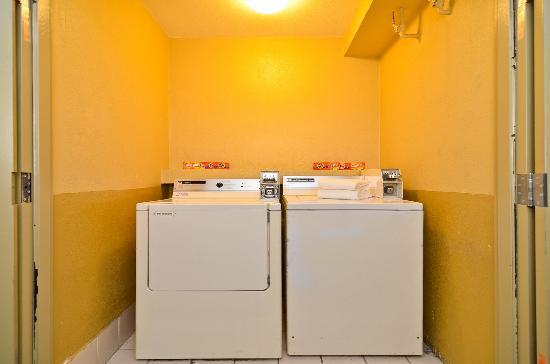 Quality Inn San Diego Miramar: Guest Laundry