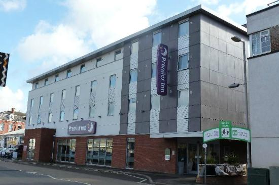 Premier Inn Exeter Central St Davids Hotel: Front aspect of the hotel