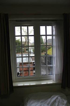Premier Inn Lymington (New Forest, Hordle) Hotel: The window that did open