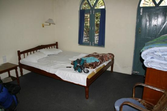 Sacred Valley Inn Pokhara: Our large double room on middle fllor