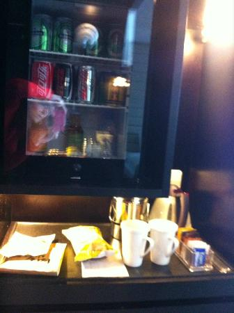 Holiday Inn Beijing Focus Square: Mini bar