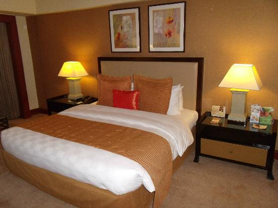 Diamond Hotel Philippines: Room 2319