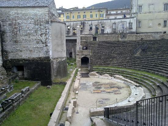 Hotel Dei Duchi: Il Teatro Romano