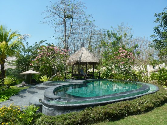 Lullaby Bungalows: lovely pool
