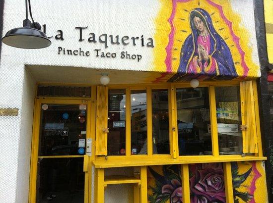 La Taqueria : gotta try it!