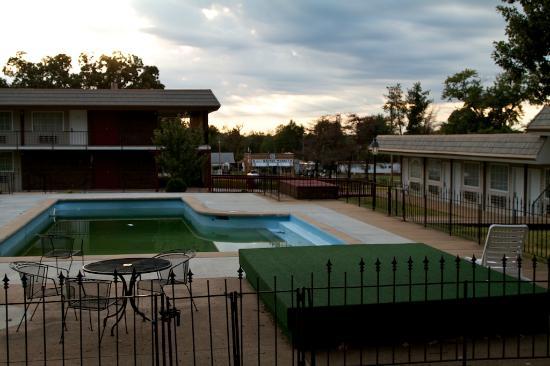 Econo Lodge: Es war einmal ein Pool