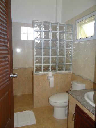 Le Piman Resort: salle de bain