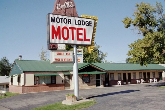 Spearfish, SD: Bell's Motor Lodge Motel