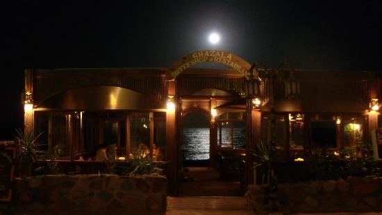 Ghazala Hotel restaurant in full moon