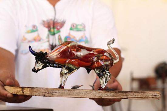 Fabrica de Vidrio: El Toro! The Bull!