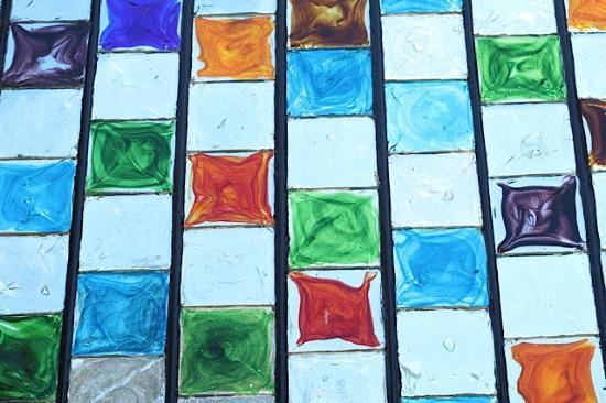 Fabrica de Vidrio: Even the building is adorned with glass