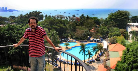 Montien Hotel Pattaya: My honeymoon. Amir Jafari