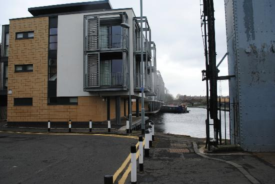 Staycity Aparthotels West End: Exterior de los apartamentos