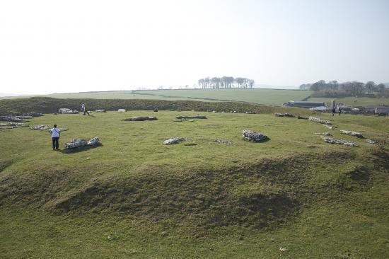 Rivendale Caravan & Leisure Park: Arbor Low medieval burial mound