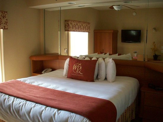 Westgate Town Center Resort & Spa: Plush, Luxurious Bed (1 bdrm unit)
