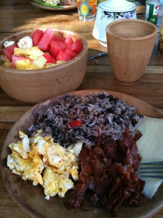 Plaza Copal Restaurant And Tourist Information : Typical breakfast