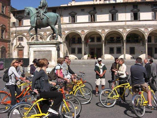 Italy Cruiser Bike Tours: Florence Bike Tour - S.S. Annunziata