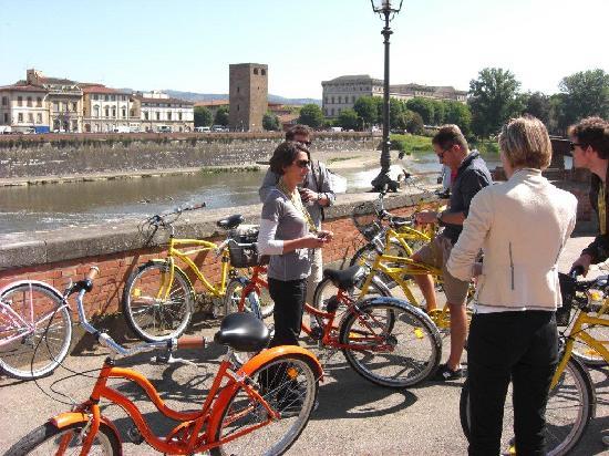 Italy Cruiser Bike Tours: Florence Bike Tour - Arno River