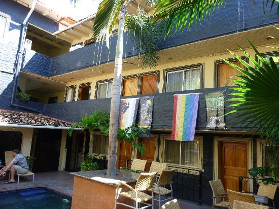 Hotel Mercurio: Atrium mit kleinem Pool.
