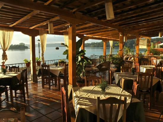 Hotel Santana Dining Veranda