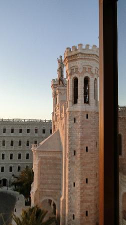 Notre Dame Guest House: vista desde el 313