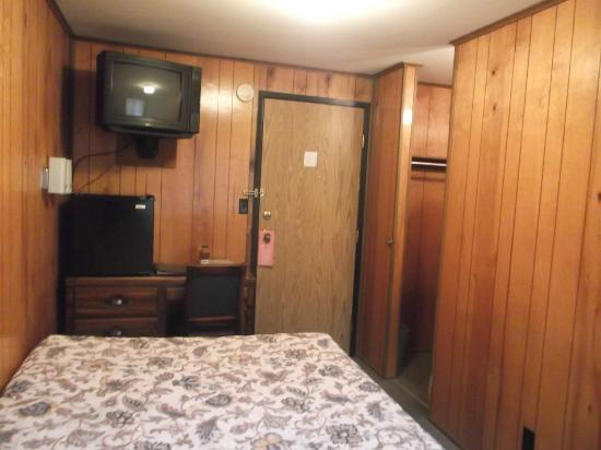 The Orca Inn: closet and sink area to the right