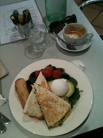 Black Pepper Cafe: 'Healthy Breakfast' and flat white