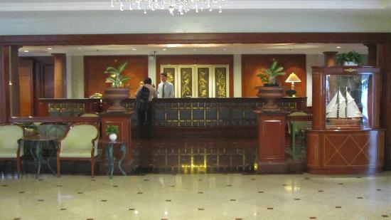 Evergreen Laurel Hotel: Reception