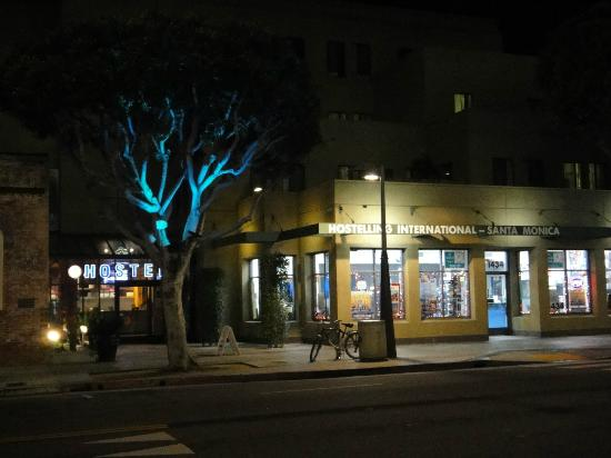 Hostelling International - Los Angeles/Santa Monica: Outside