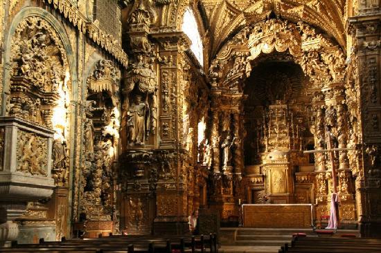 Church of Santa Clara (Igreja de Santa Clara) : Incredible detail inside of Igreja de Santa Clara