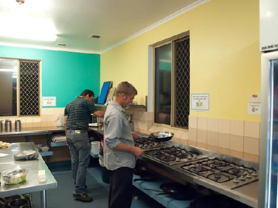 Dunsborough Beachouse YHA: Kitchen