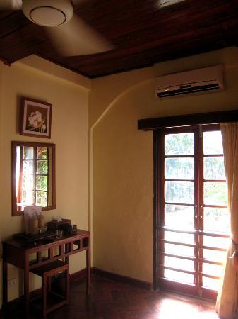 Villa Nam Song Vang Vieng: 3